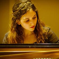 Julia Hamos