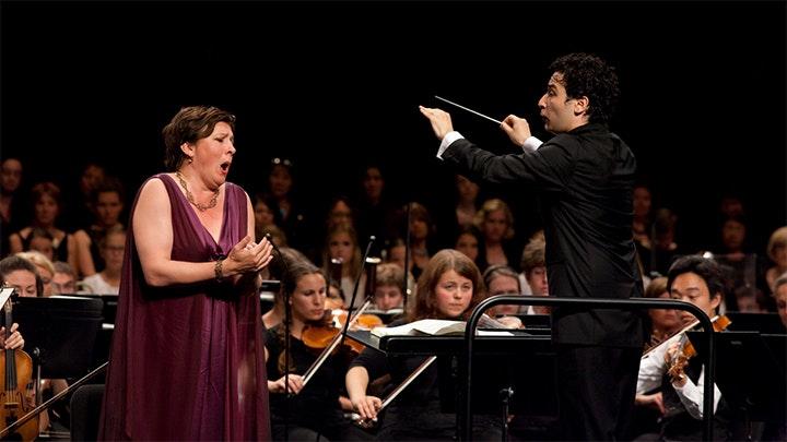 Andrés Orozco-Estrada conducts Mahler: Symphony No. 3 (uncomplete version)