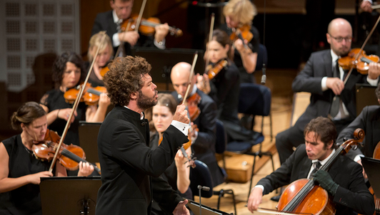 Pablo Heras-Casado conducts Beethoven's Fifth — With the Mahler Chamber Orchestra