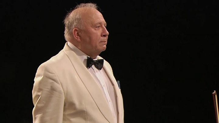 Charles Dutoit conducts Tchaikovsky's Symphony No. 5 – Neeme Järvi conducts Dvorák's Symphony No. 9