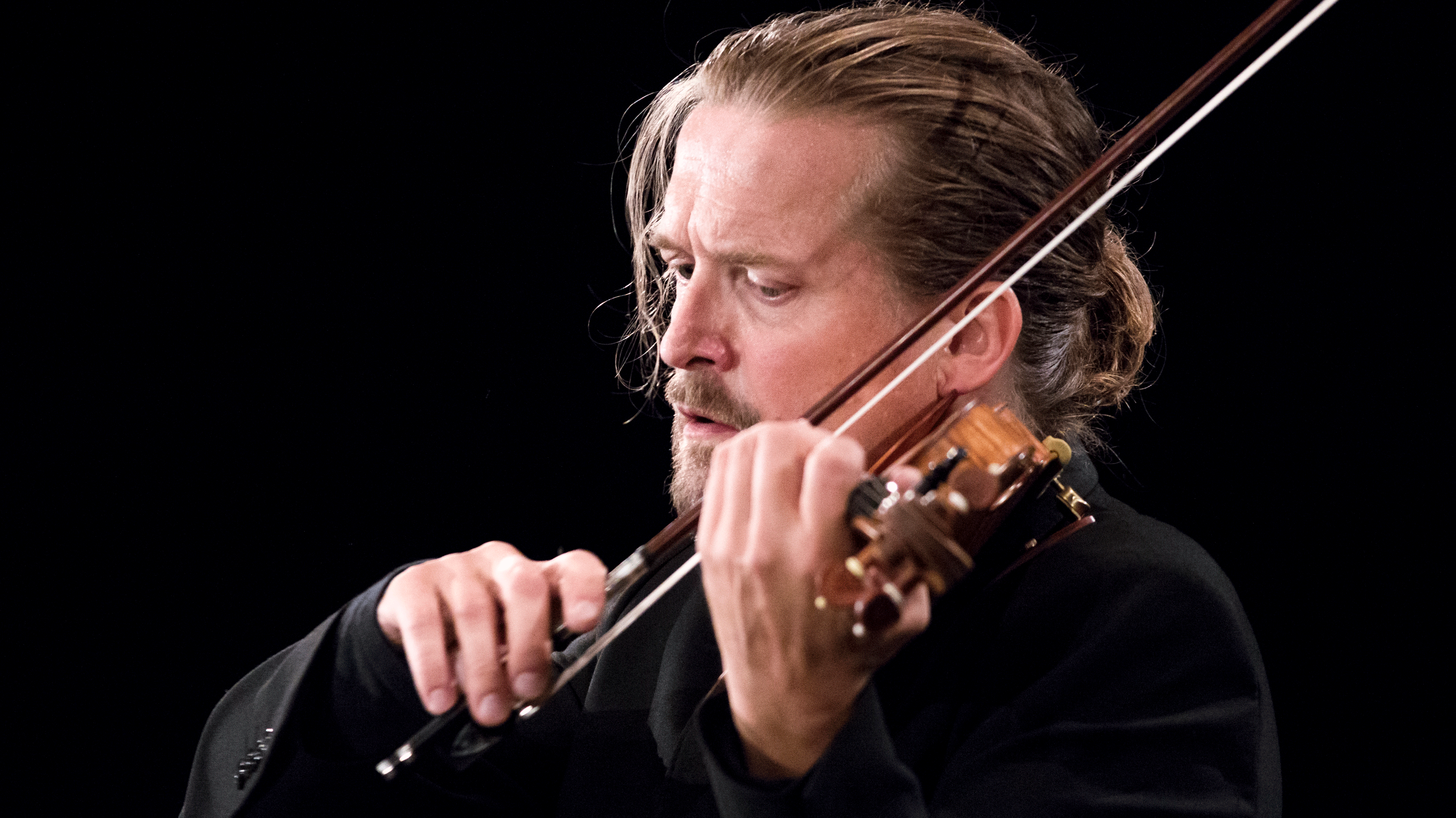 Christian Tetzlaff performs Ysaÿe, Bach, and Bartók