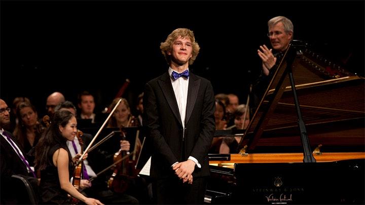 Christian Zacharias conducts Bach, Mozart and Schubert – With Lisa Batiashvili, François Leleux, Jan Lisiecki, ...