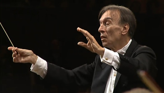 Claudio Abbado conducts Beethoven's Symphony No. 7
