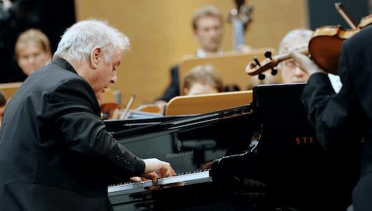 Daniel Barenboim joue et dirige le Concerto pour piano n°5 de Beethoven