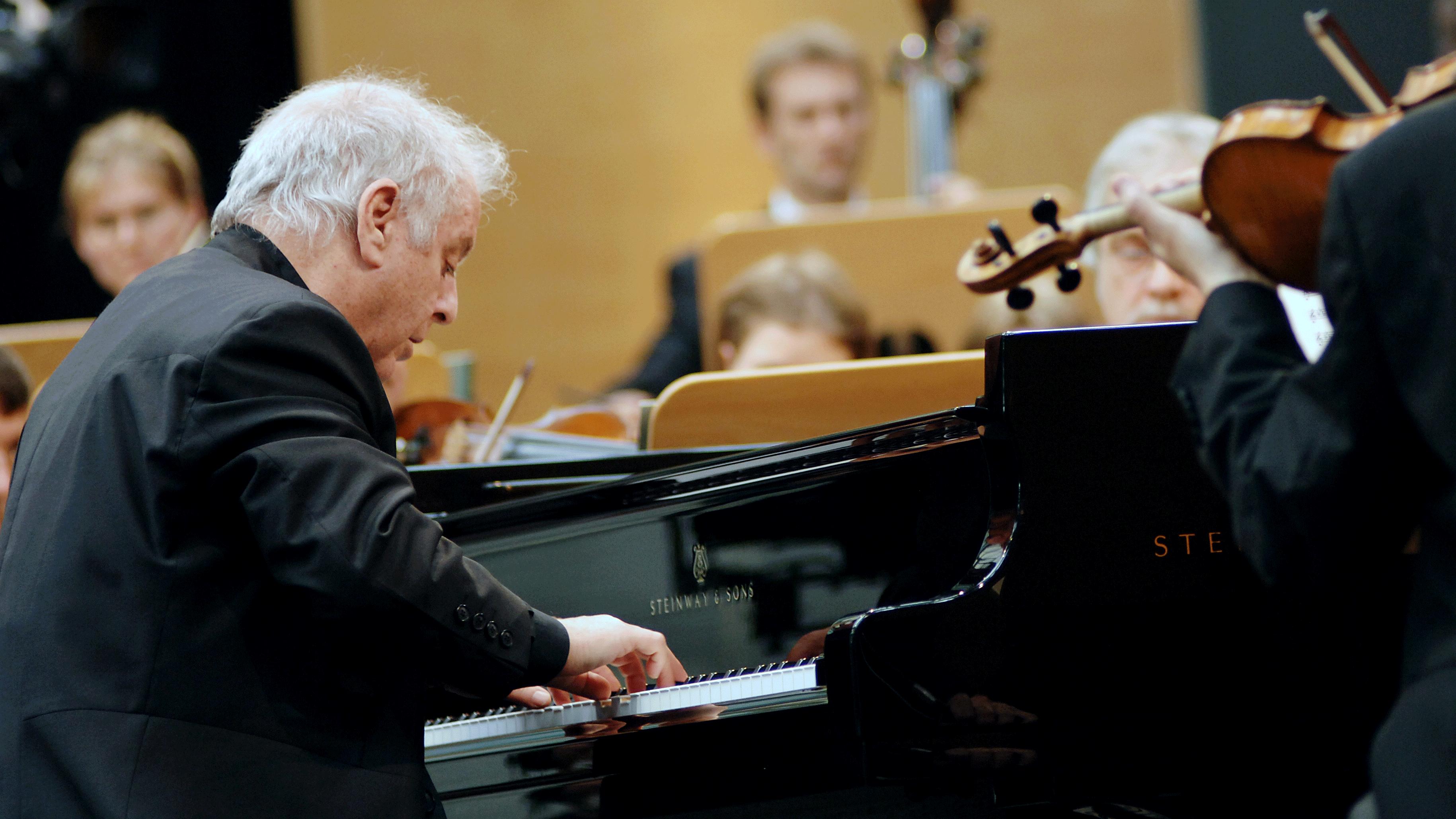 Concert Daniel Barenboim joue et dirige le Concerto pour ...
