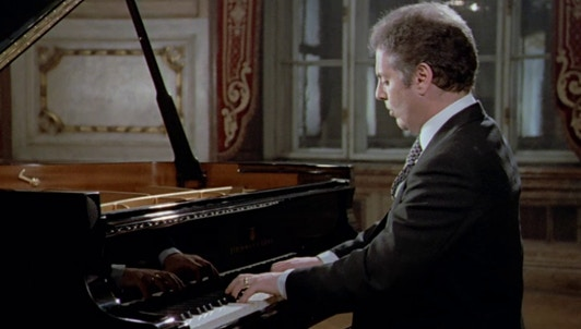 Daniel Barenboim plays Beethoven's Sonata No. 22