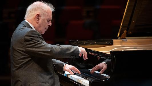Daniel Barenboim interpreta las Sonatas para piano de Beethoven n.° 21-27