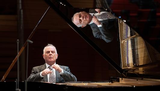 Daniel Barenboim interpreta las Sonatas para piano de Beethoven n.° 8-11