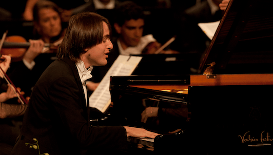 Daniil Trifonov plays Chopin's Piano Concerto No. 2 and Études