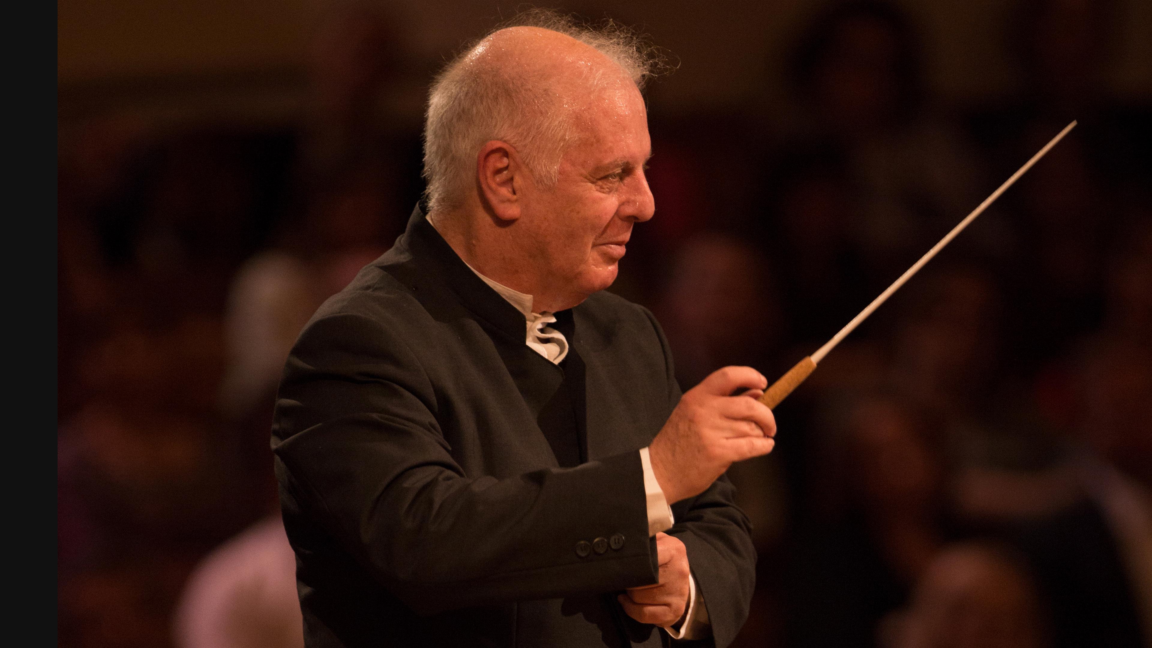 Concert Daniel Barenboim conducts Nicolai, Elgar and ...