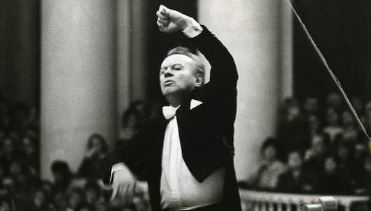 Yevgueni Svetlánov dirige la Sinfonía n.° 1 de Chaikovski