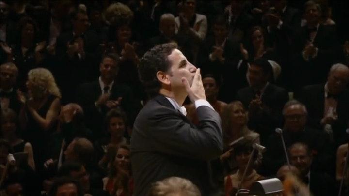 Gustavo Dudamel and Juan Diego Florez perform Rossini, Marquez, Moncayo, Grever, and Lara