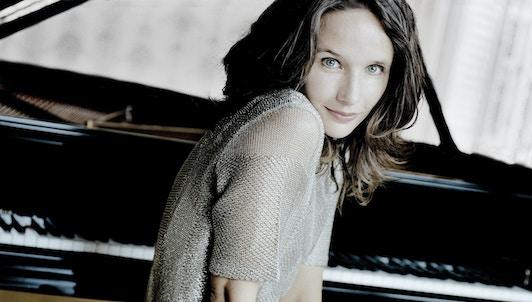 Hélène Grimaud and the Kammerorchester des Bayerischen Rundfunks perform Mozart
