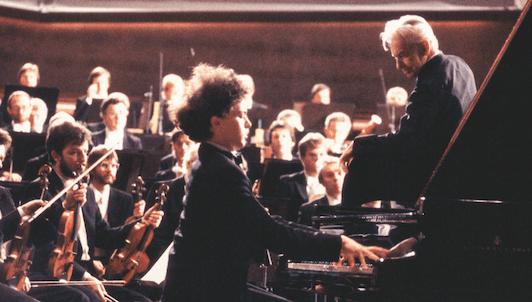 Herbert von Karajan et Evgeny Kissin interprètent le Concerto pour piano n°1 de Tchaïkovski