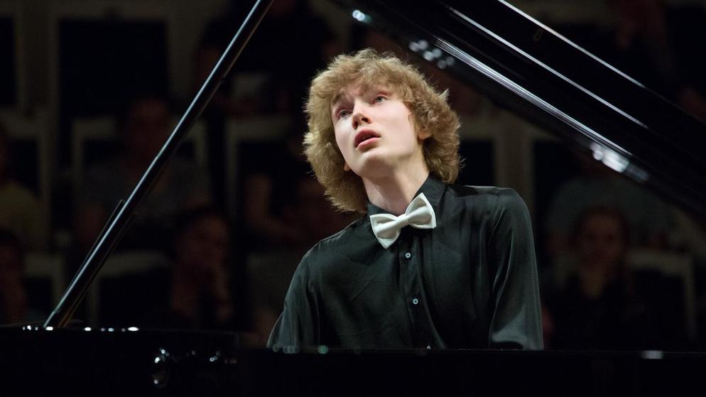 Ivan Bessonov joue le Concerto pour piano n°1 en si bémol mineur de Tchaïkovski, op. 23