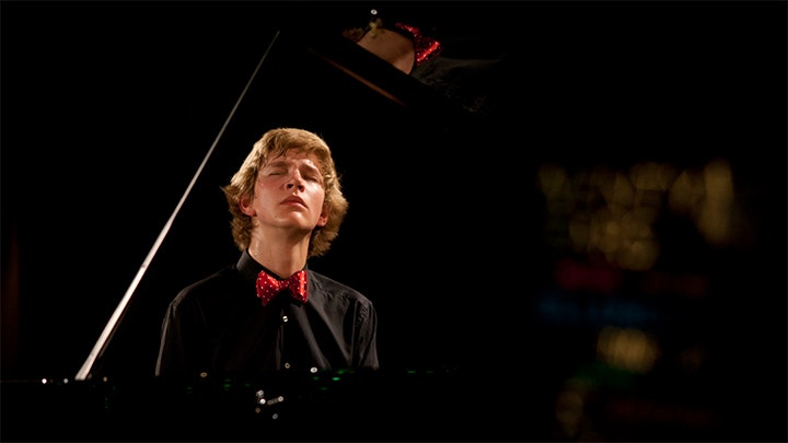 Jan Lisiecki plays Bach and Chopin