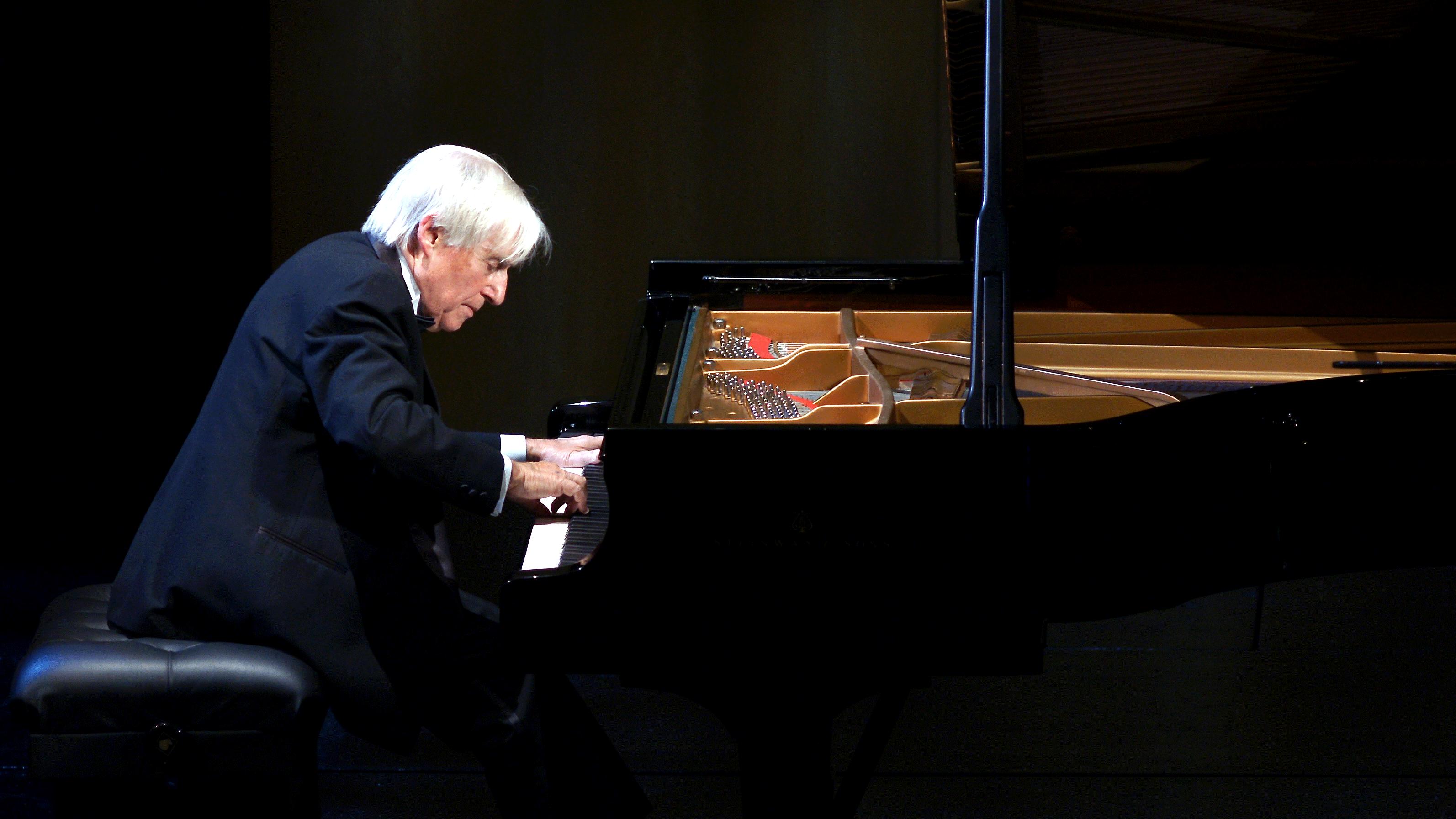Joaquín Achúcarro plays Albéniz, Debussy, Granados, Ravel, de Falla and Scriabin