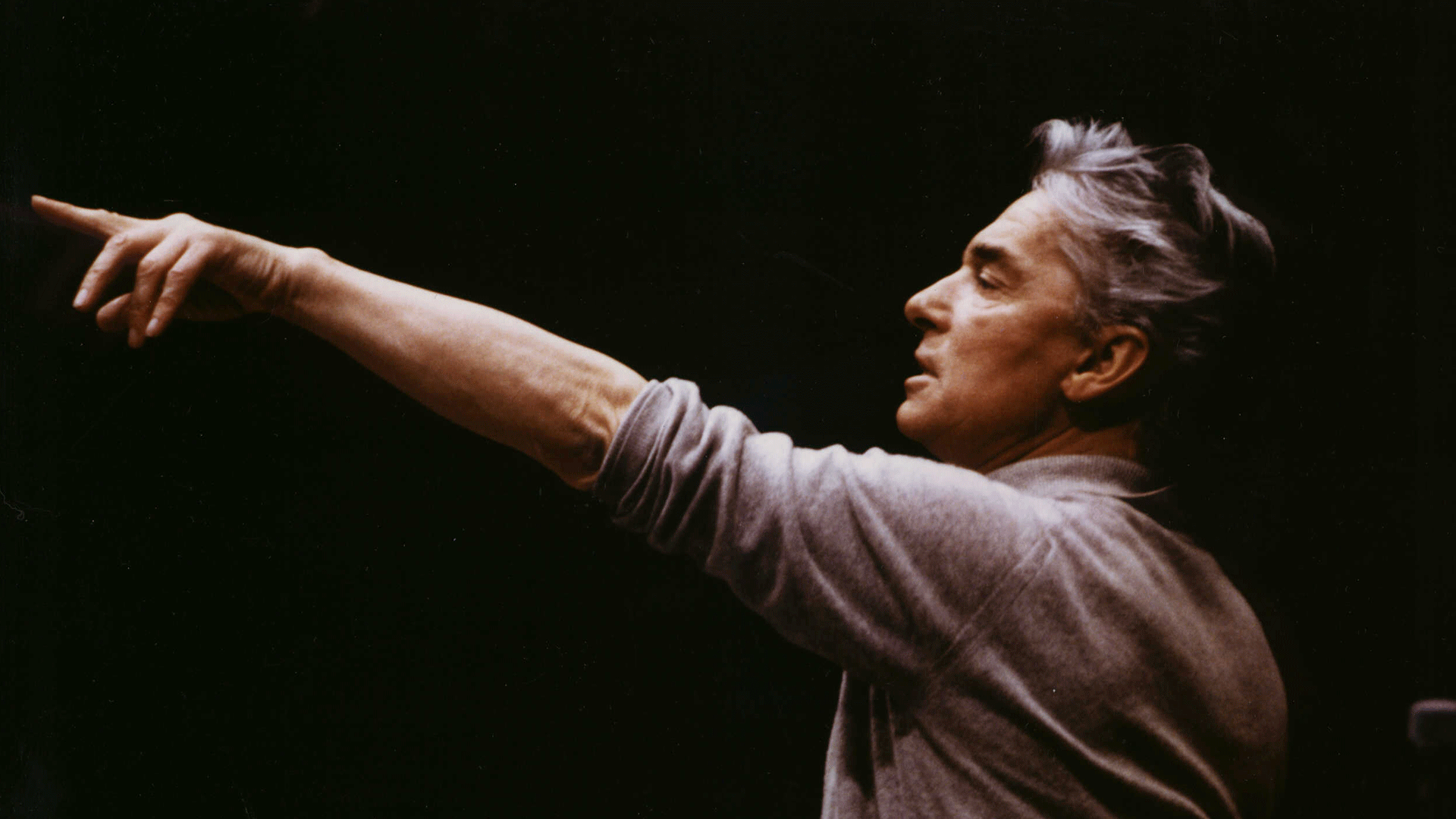 Herbert von Karajan conducts the 1983 New Year's Eve Concert