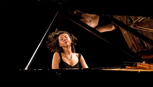 Khatia Buniatishvili plays Mussorgsky, Liszt, Chopin and Ravel