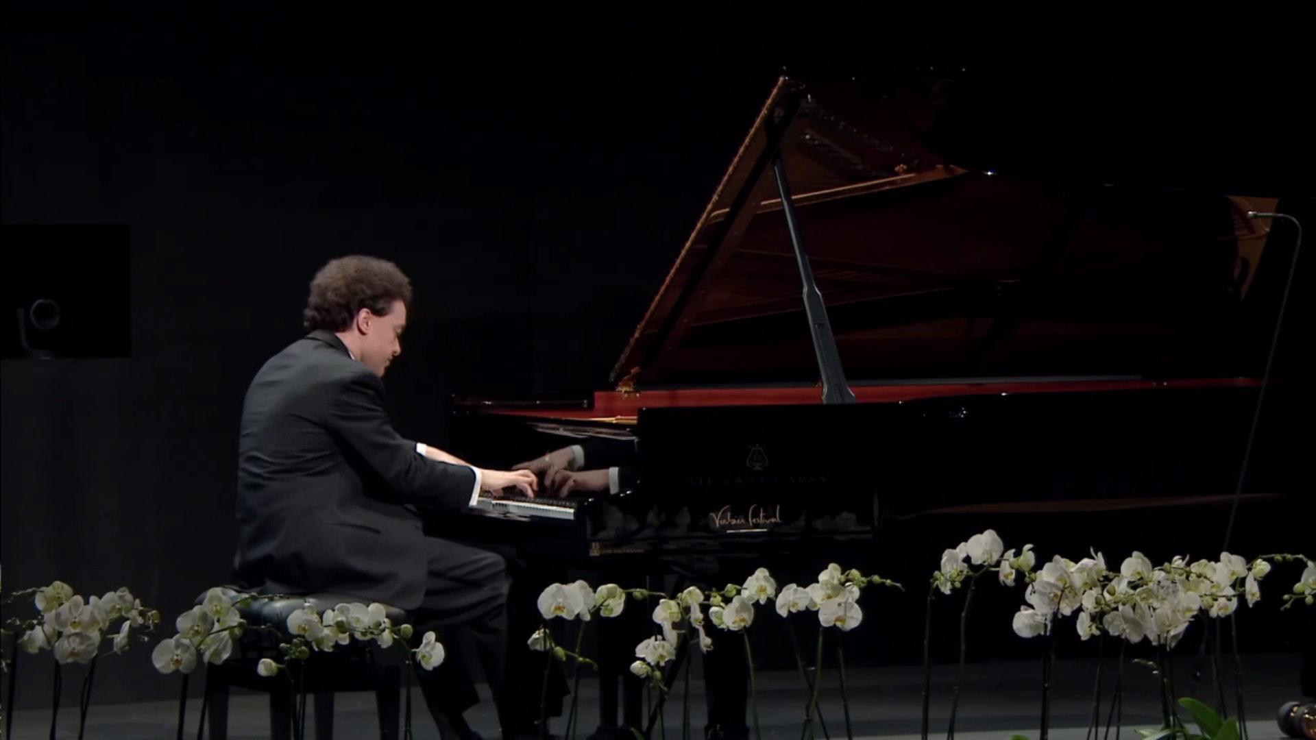 Kissin plays Schubert and Scriabin