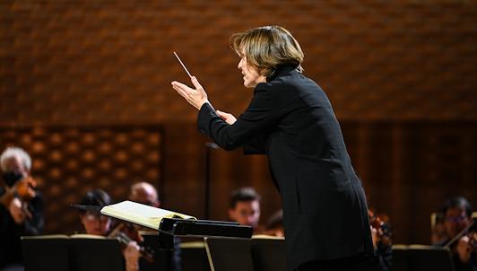 Laurence Equilbey dirige la Neuvième de Beethoven — Avec Camille Schnoor, Okka van der Damerau, Benjamin Bruns, Günther Groissböck