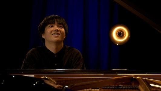 Mao Fujita performs Mozart