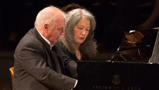 Martha Argerich, Daniel Barenboim y Renaud Capuçon interpretan Bizet y Beethoven — Con Sylvain Cambreling y la Sinfónica de Hamburgo