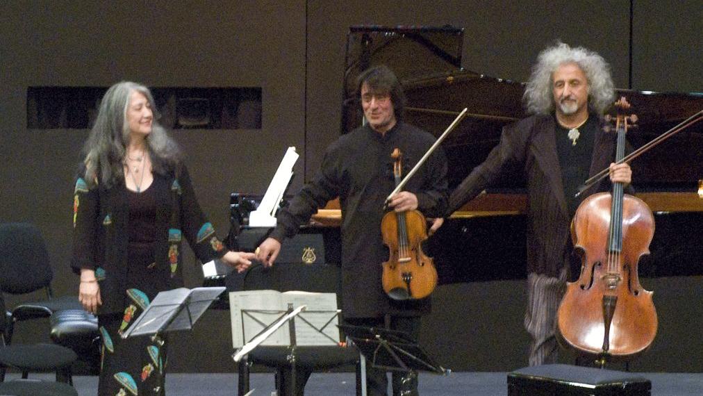 Martha Argerich, Joshua Bell, Henning Kraggerud, Yuri Bashmet, and Mischa Maisky play Shostakovich and Bruch