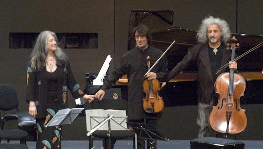 Martha Argerich, Joshua Bell, Henning Kraggerud, Yuri Bashmet et Mischa Maisky jouent Chostakovitch et Bruch