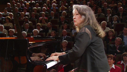 Martha Argerich plays Schumann's Piano Concerto