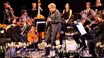 https://medicitv-c.imgix.net/movie/martin-frost-mozart-clarinet-concerto-verbier-2010_d.jpg?auto=format&q=85