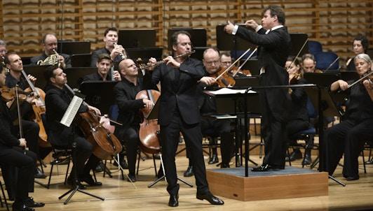 NOUVEAUTÉ : Jakub Hrůša dirige Mozart, Schumann et Mendelssohn — Avec Emmanuel Pahud