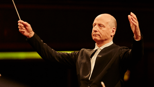 Paavo Järvi dirige la Sinfonía n.° 3 de Brahms