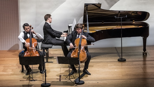 NOUVEAUTÉ : Stéphane Tétreault et Joona Pulkkinen interprètent Tchaïkovski, Chostakovitch, Brahms et Sibelius — avec Samuel Parent