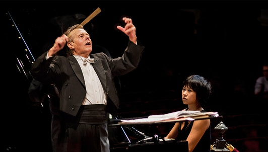 Mariss Jansons conducts Rossini, Shostakovich, and Prokofiev — With Yuja Wang and Omar Tomasoni