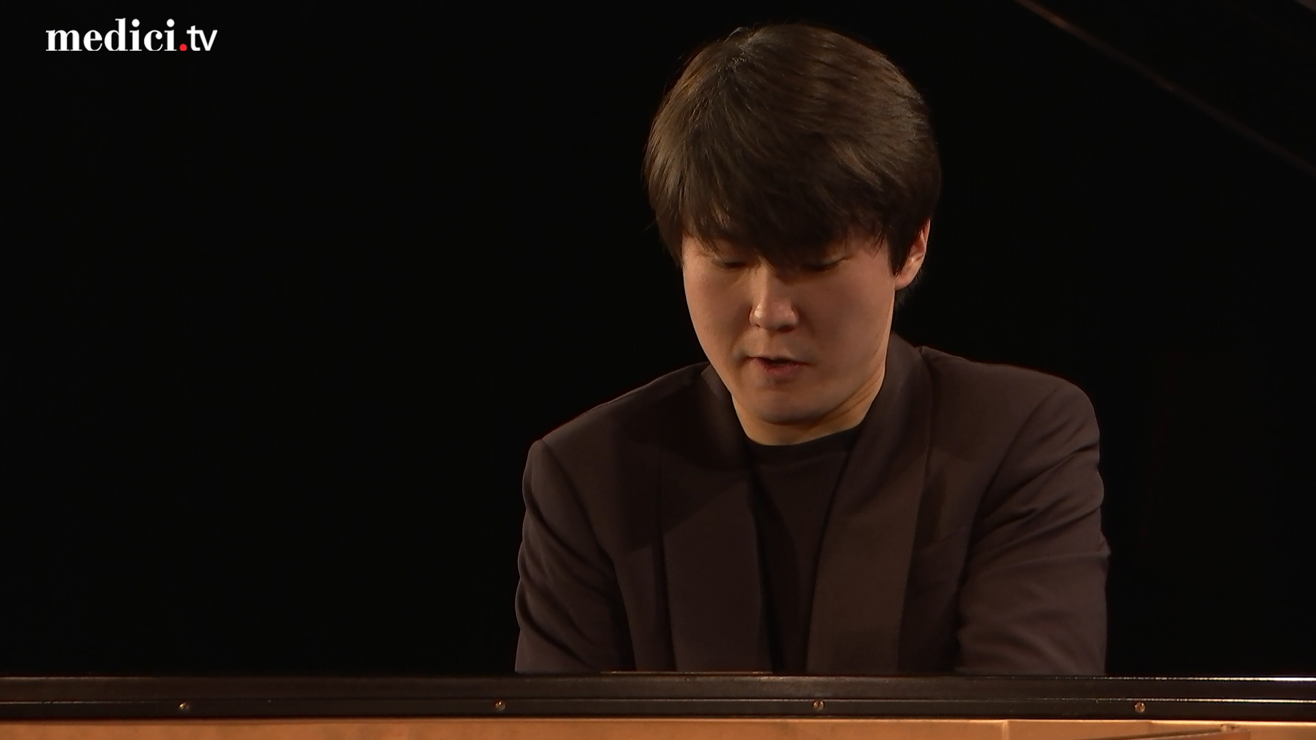 Seong-Jin Cho performs Debussy, Schumann, and Chopin