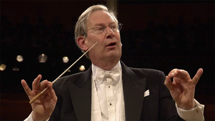 Sir John Eliot Gardiner conducts Dvořák and Mozart