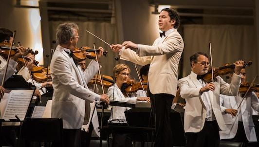 NUEVO: Gustavo Dudamel dirige Tango Under the Stars en el Hollywood Bowl — Con Ángel Romero