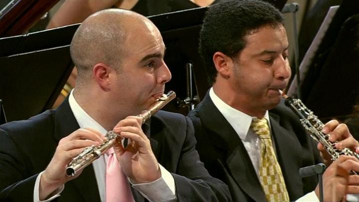 Daniel Barenboim dirige le West-Eastern Divan Orchestra dans Beethoven et Wagner