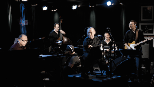 Thomas Quasthoff sings soul and jazz classics in Berlin