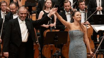 https://medicitv-c.imgix.net/movie/valery-gergiev-mozart-violin-concerto-3-alexandra-conunova_d.jpg?auto=format&q=85