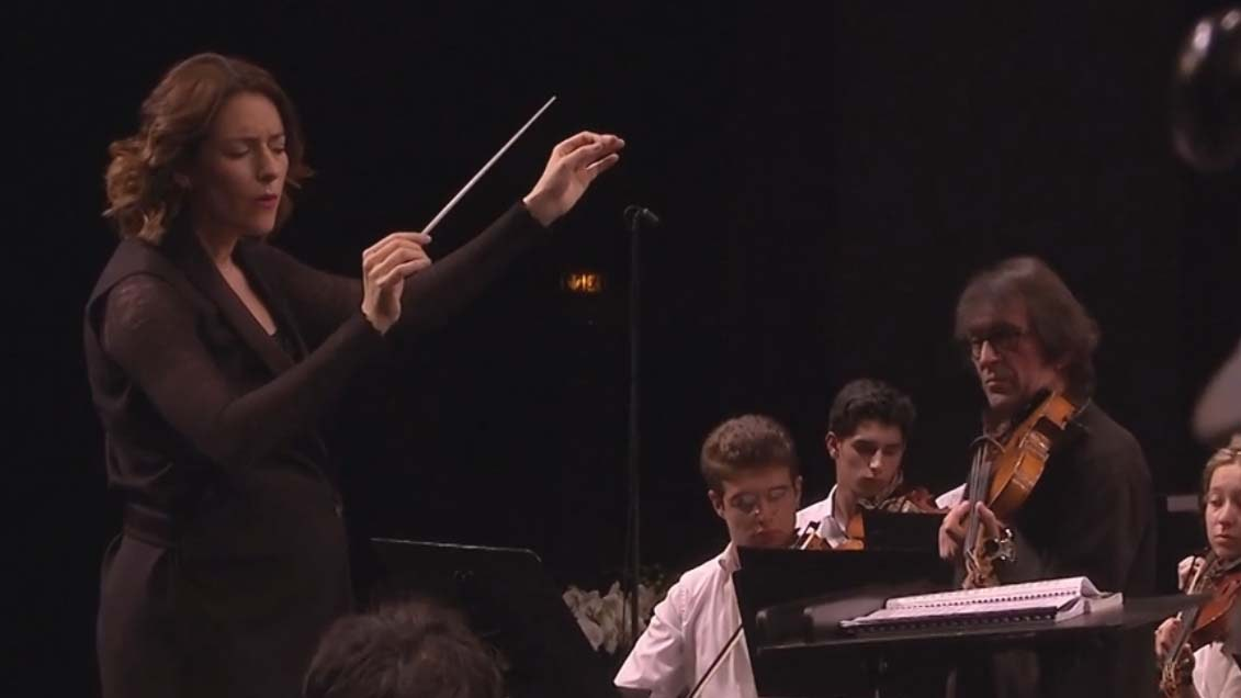 Alondra de la Parra conducts the Verbier Festival Music Camp Orchestra's first concert – With Yuri Bashmet