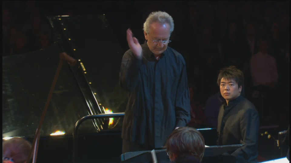 Yuri Temirkanov and Lang Lang play Tchaikovsky and Chostakovitch