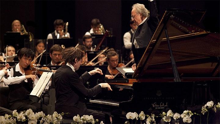 Yuri Temirkanov conducts Rossini, Rachmaninov, Prokofiev – With Daniil Trifonov and Ekaterina Semenchuk